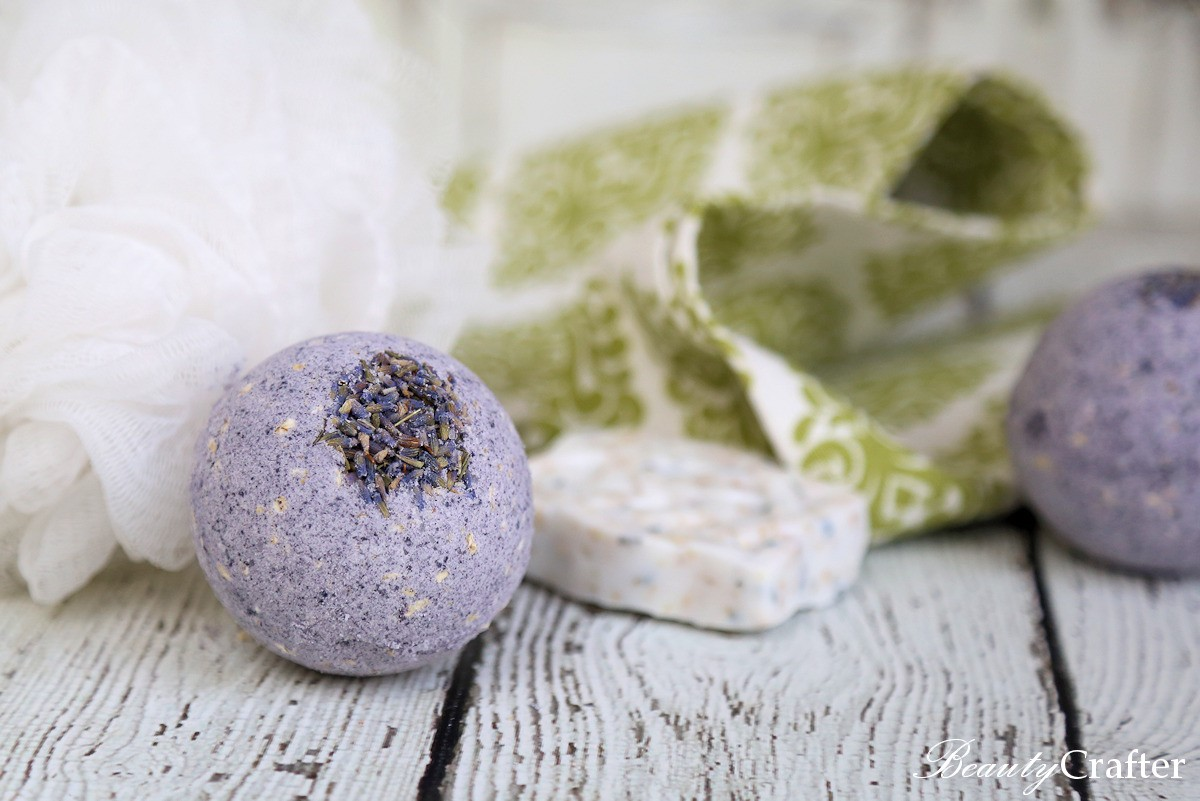 Bath Bomb Recipe - Lavender Oatmeal Bath Bombs Recipe