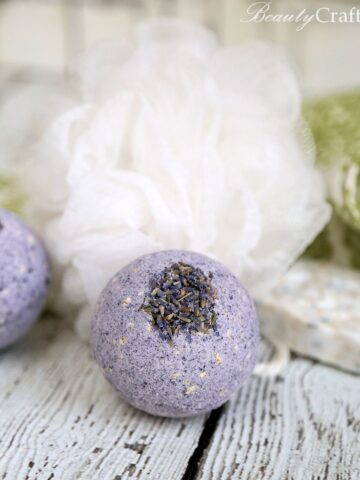Soothing Lavender Oatmeal Bath Bombs Recipe