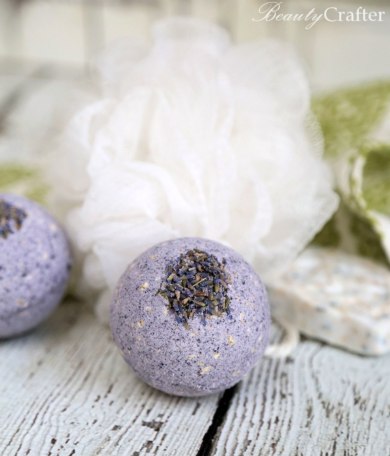 Bath Bomb recipe - oatmeal lavender homemade bath bombs