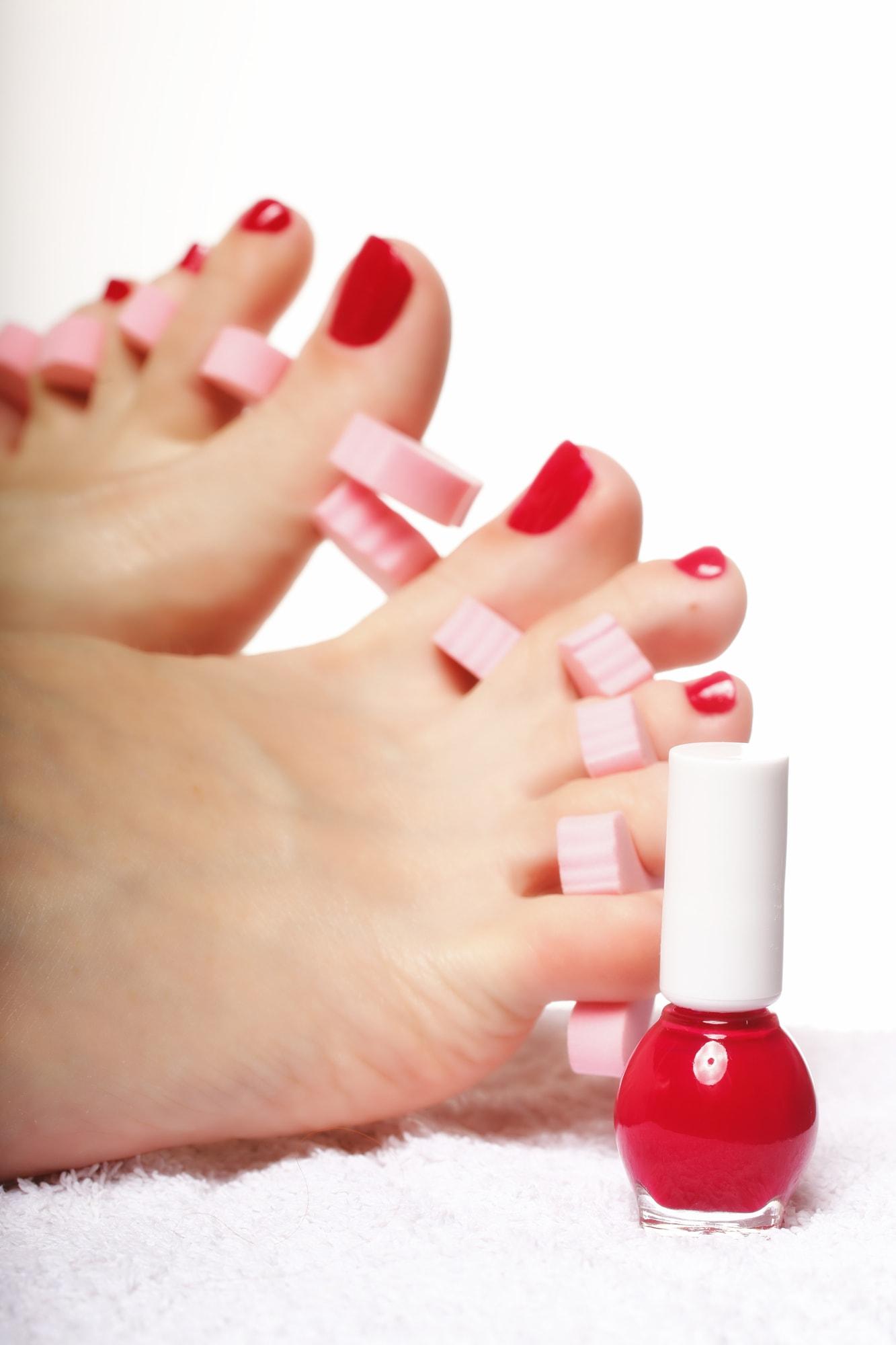 match toe nail polish