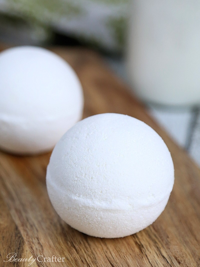 Vanilla Milkshake Bath Bomb Recipe: DIY Milk Bath Bombs