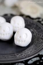 Skull Bath Bomb diy halloween