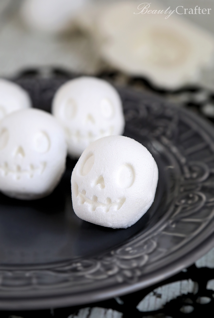 Skull Bath Bomb diy halloween