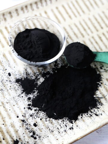 Activated Charcoal Powder: Health and Beauty Benefits