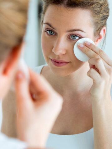 9 Best Essential Oils For Acne + DIY Acne Face Oil
