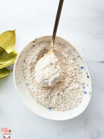 Colloidal Oatmeal: Skin Care Guide + Oatmeal Face Mask