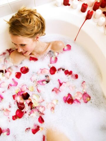Romantic Bath Ideas for Valentines Day