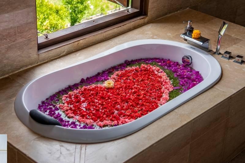 Valentines Day bath