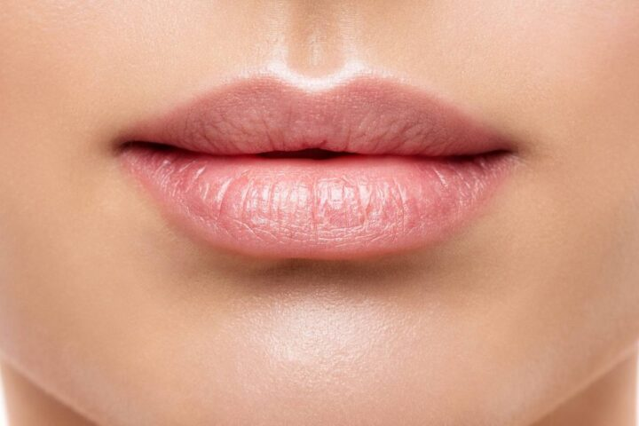 smooth healthy lips from using lips scrubs